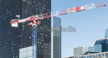 crane who are working on the
