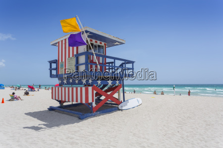 lifeguard watchtower on south beach miami