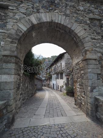 village of donnas eastern gate