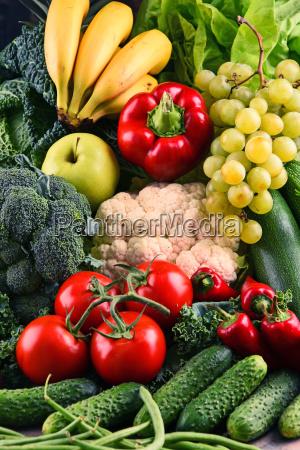 sammensaetning med forskellige ra okologiske grontsager