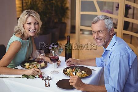 portraet af aeldre par der har