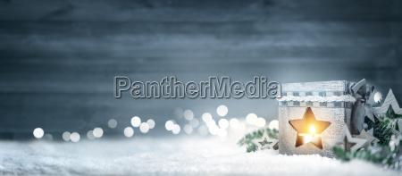 christmas wood baggrund med lanterne grangrene