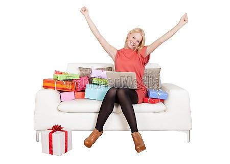 smuk, ung, kvinde, køber, gaver - 23584558