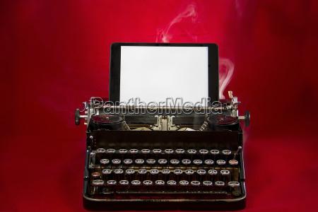 fumaca velho nostalgico maquina de escrever