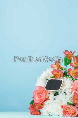 love background with pink roses flowers