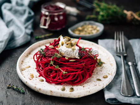 beetroot and thyme spaghetti with pumpkin
