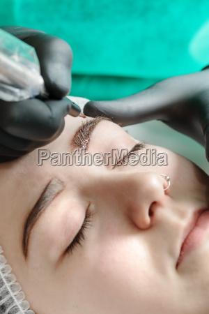 permanent makeup permanent tatovering af ojenbryn