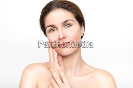 smukke ansigt af unge kvinde med