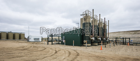 olieproduktion platform pa marken pa fabrikken
