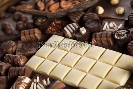 kanel mork chokolade med maelk og