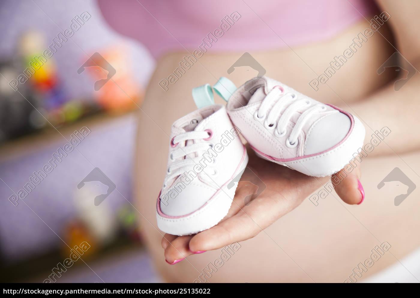gravid, kvinde, holder, et, par, små - 25135022