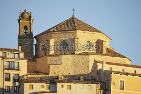 iglesia de san pedro bei sonnenaufgang