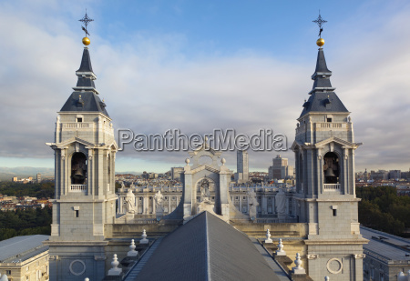 cathedral of our lady of almudena
