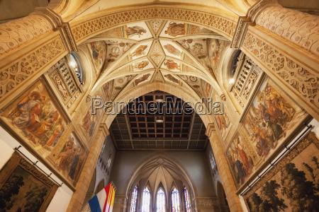 loft i katedralen i den velsignede