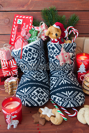 little knitted boots with presents