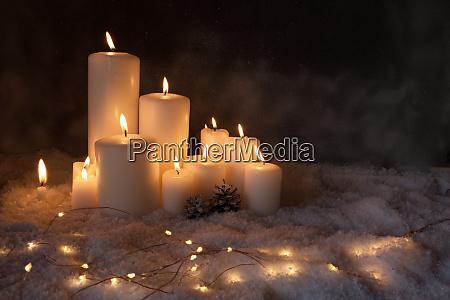 julelys i kold vinter aften