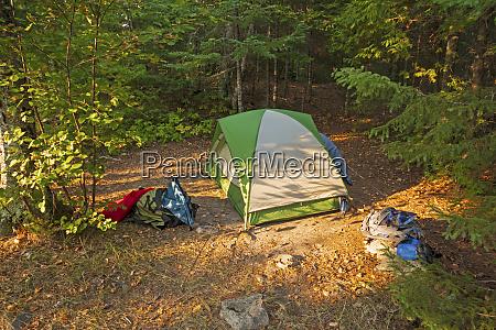 afsondret teltplads i orkenen