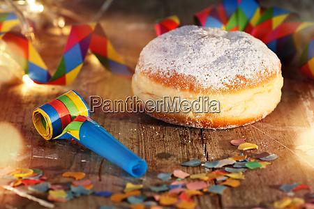 karneval fest med donut