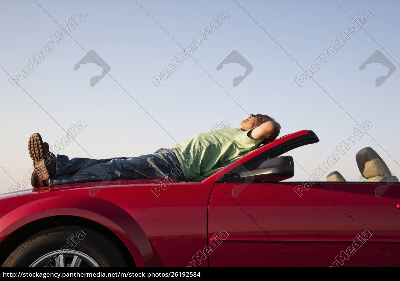 a, senior, male, relaxing, on, the - 26192584