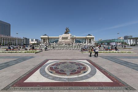 turister i sukhbaatar square med damdin