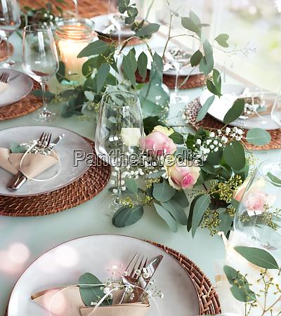 festlig dekoreret bryllup bord