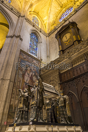 the tomb of christopher columbus inside