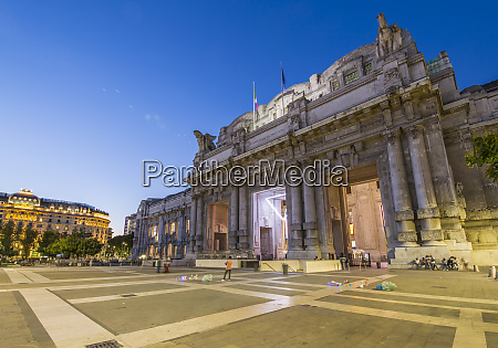 view of milan central station at