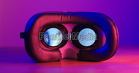 virtual reality device with purple and