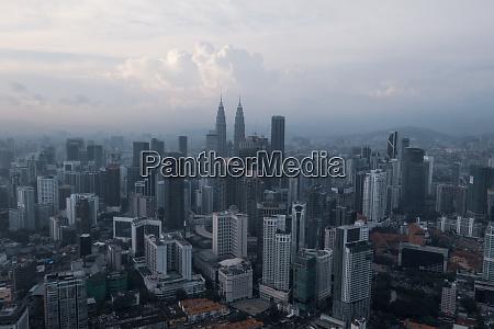 luftfoto af kuala lumpur byens skyline