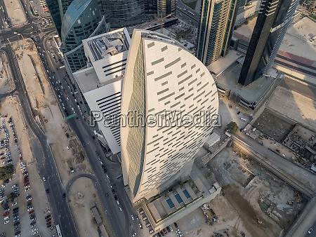 luftfoto af buet design skyskraber i