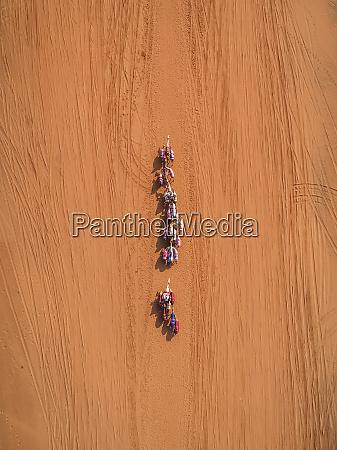 luftfoto, af, en, kamel, race, konkurrence - 27450789