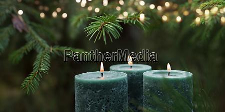 stearinlys med juletrae