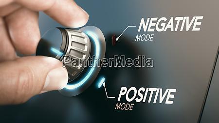 skift til positiv holdning psykologi koncept