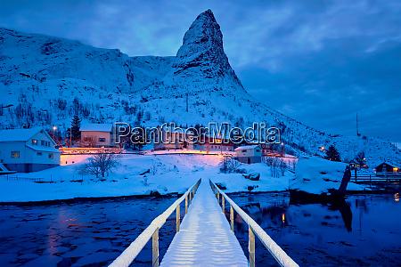reine village at night lofoten islands