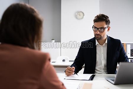 jobsamtale business manager taler med recruiter