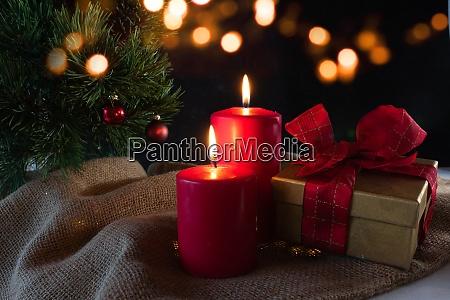 adventslys med julepynt