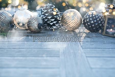 juledekoration med gylden bokeh