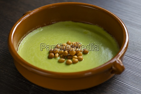 stadig liv i gronne aerter suppe