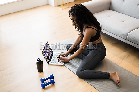 ser online yoga video program Ovelse
