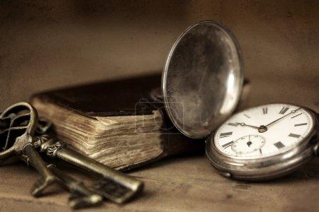 background, on, horizontal, key, life, antique - B12605200