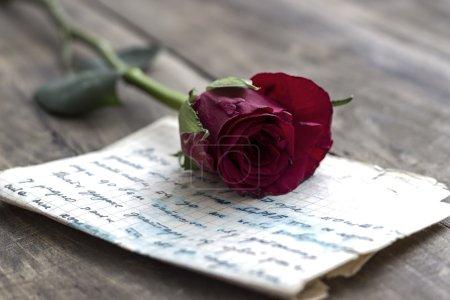red, design, paper, gift, present, valentine - B66973837